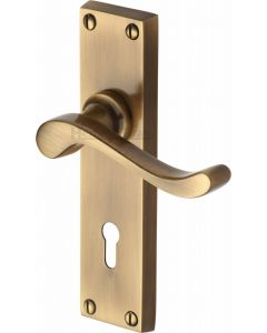 Bedford Lever Door Handles On A Backplate - Antique Brass - Suitable For Use With FD30 / FD60 Fire Doors