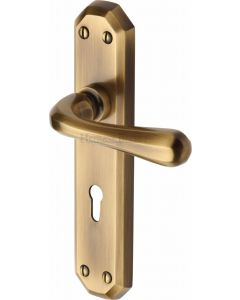 Charlbury Lever Door Handles On A Backplate - Antique Brass - Suitable For Use With FD30 / FD60 Fire Doors
