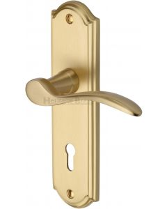 Howard Lever Door Handles On A Backplate - Satin Brass - Suitable For Use With FD30 / FD60 Fire Doors