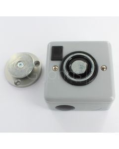 Surface Mounted Electro-Magnetic Fire Door Holder - 24v DC - With Manual On / O	 1ff Switch - Supplied With Armature Plate - Silver Finish