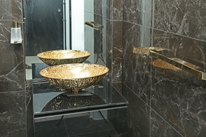 gold-bathroom-penthouse