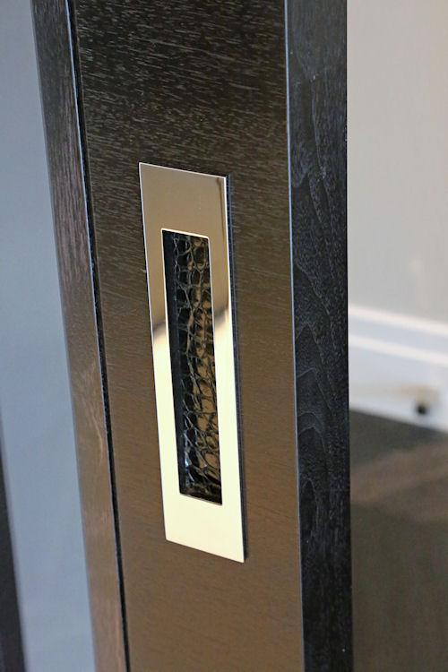 Bespoke flush pull handle for sliding doors
