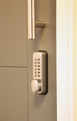 digi-lock-communal-door